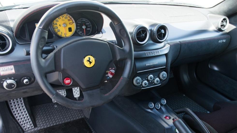 interior del 599 GTO