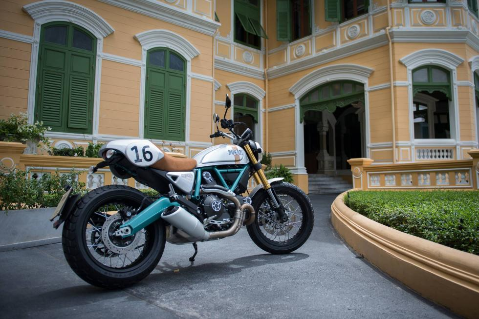 Ducati-Scrambler-Paul-Smart-trasera