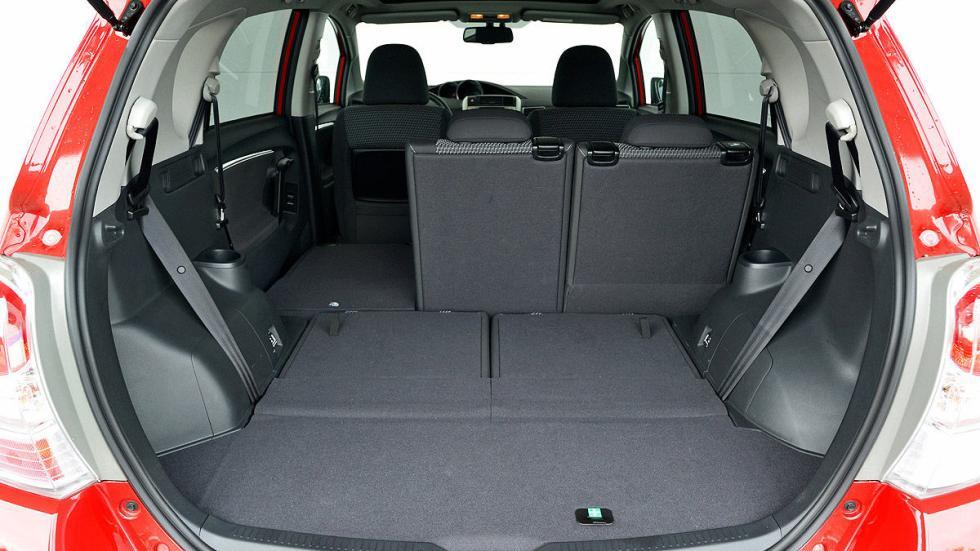 Toyota Verso interior maletero