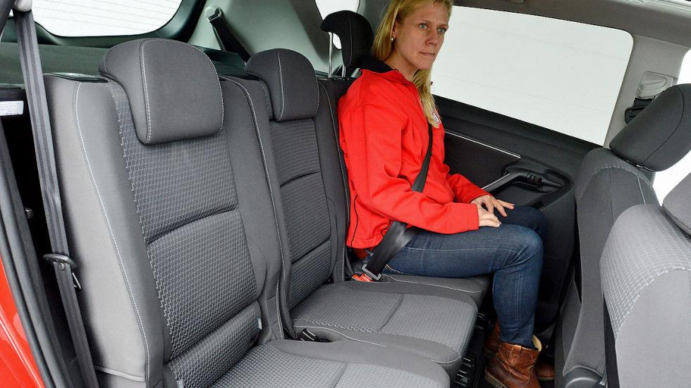 Toyota Verso interior traseras