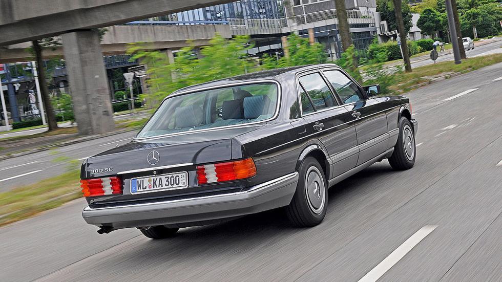 Mercedes 300 SE (W 126) detalle zaga