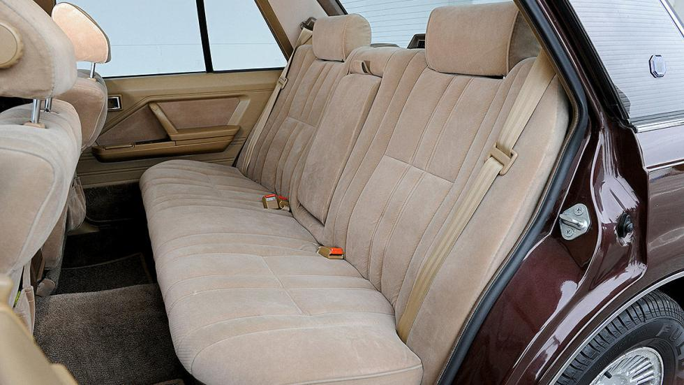 Toyota Crown detalle interior traseras