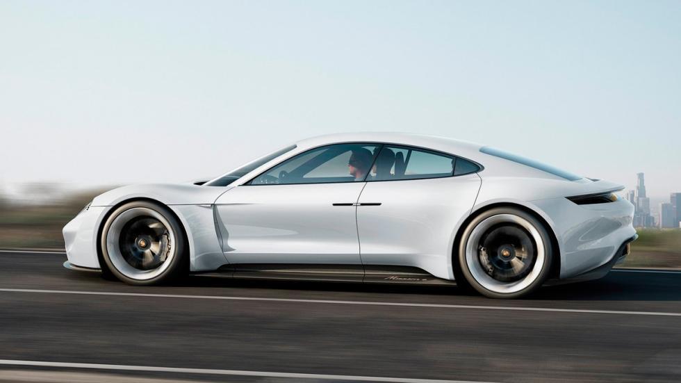 Porsche Mission E lateral