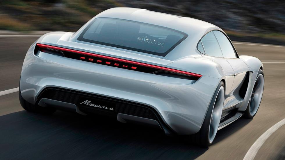Porsche Mission E trasera