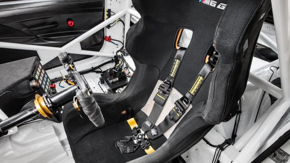 BMW-M6-GT3-2016-interior-cockpit