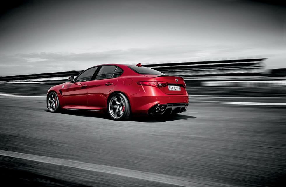 Alfa Romeo Giulia QV tres cuartos traseros