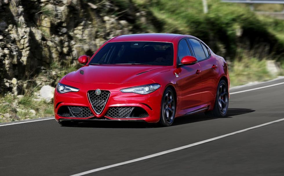 Alfa Romeo Giulia QV tres cuartos delanteros