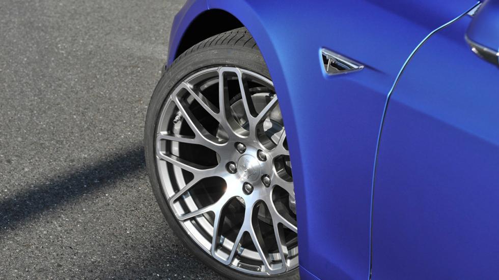 Tesla Model S de Brabus ruedas