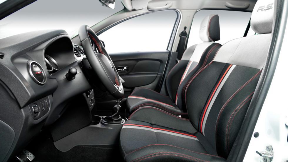 Renault Sandero R.S 2.0 interior