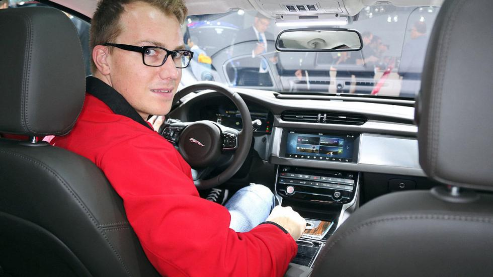 Cockpits revolucionarios del IAA Jaguar dentro