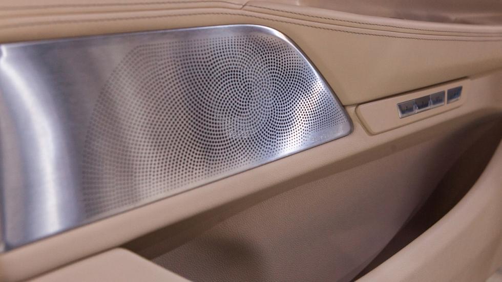 BMW serie 7 pioneros en estar equipados con altavoces de diamante