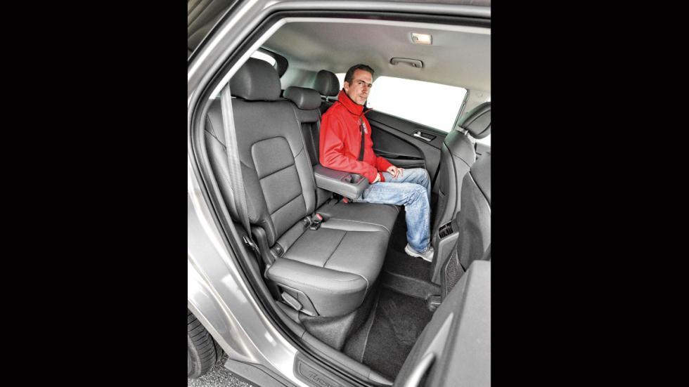 Comparativa SUV Hyundai Tucson plazas traseras