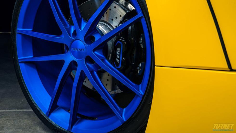 BMW I8 Turner Motorsport llantas azules