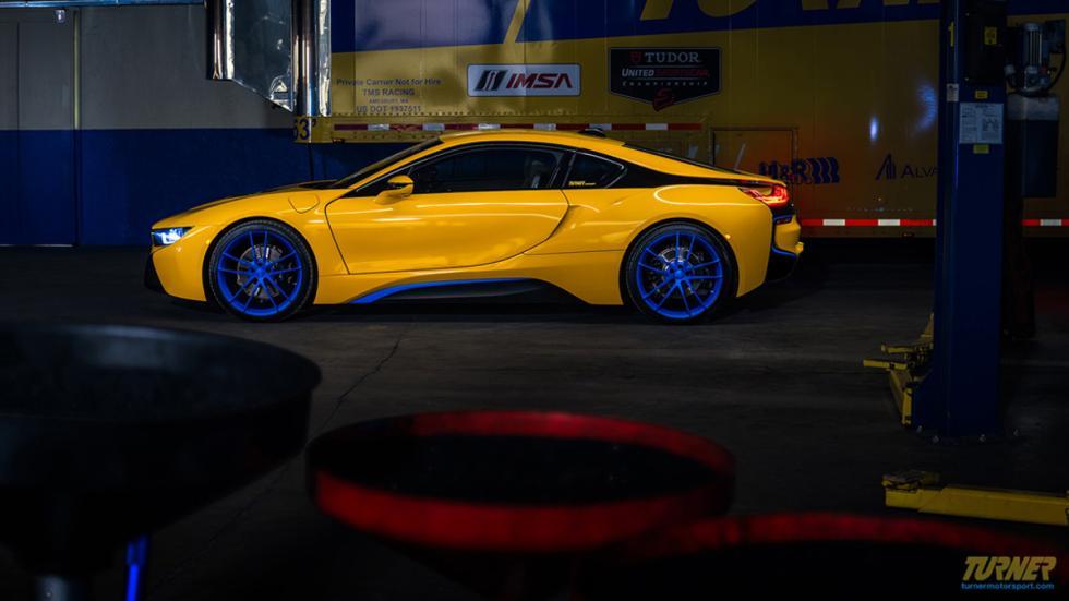 BMW I8 Turner Motorsport lateral