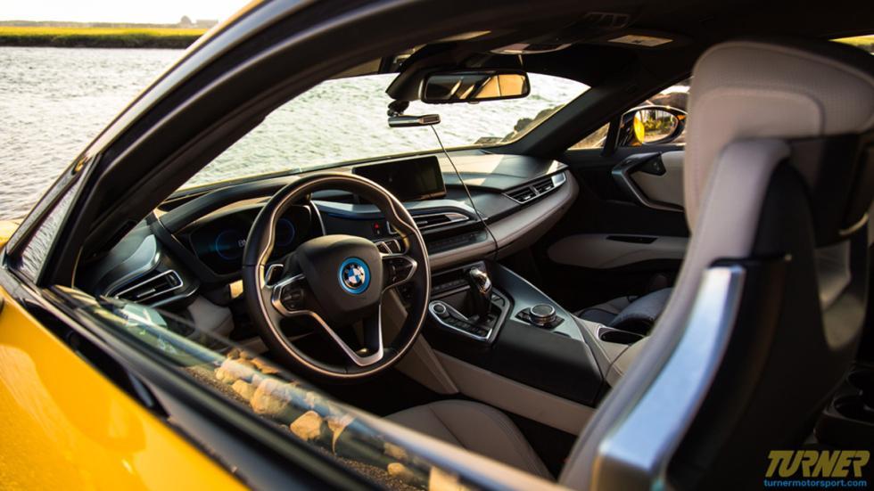 BMW I8 Turner Motorsport interior
