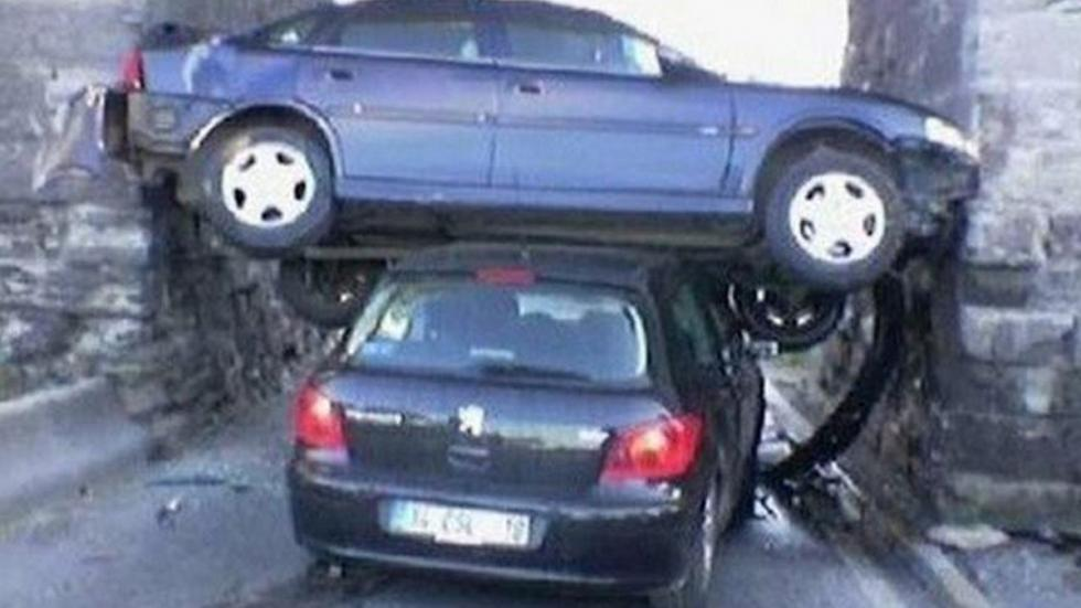 accidente-tráfico-inexplicable-puerta