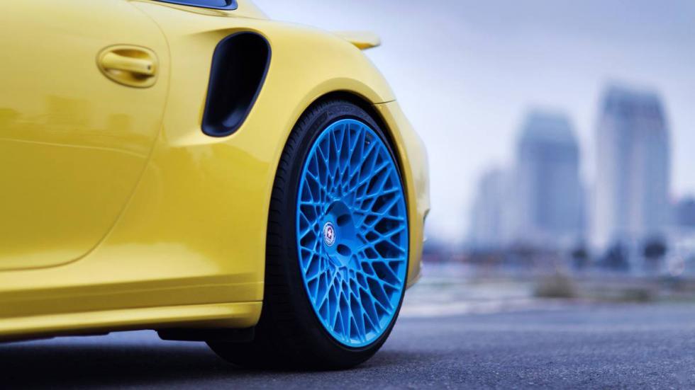 Porsche 911 Turbo HRE amarillo azul llanta trasera