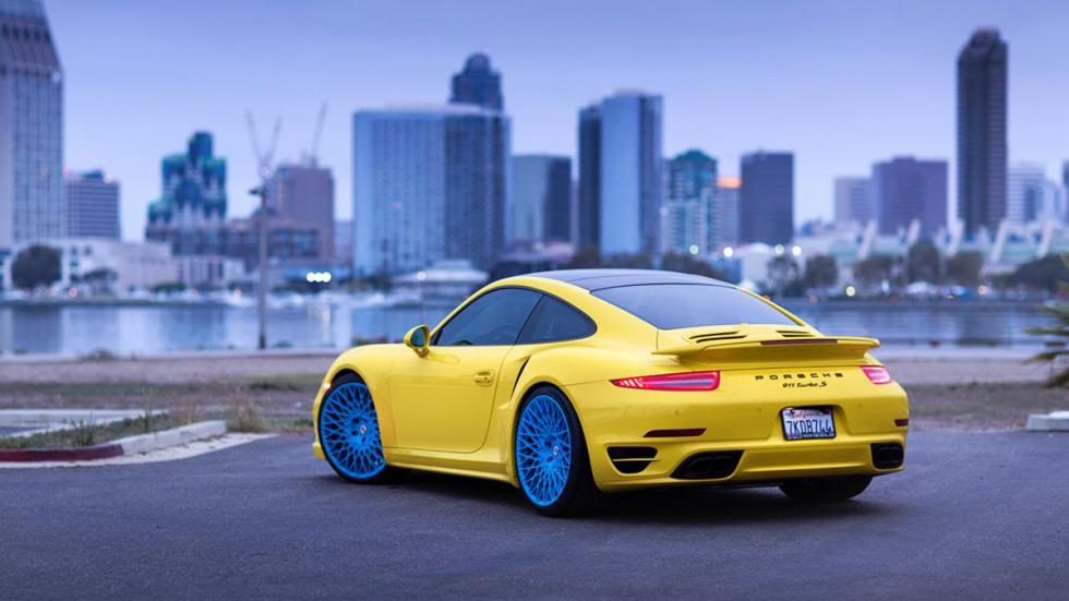 Porsche 911 Turbo HRE amarillo azul trasera