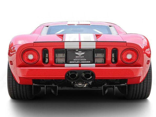 Ford GT trasera