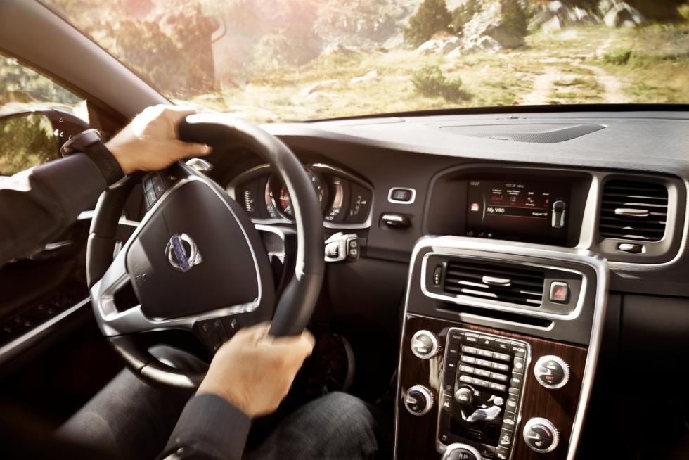 volvo V60 Cross Country 2016 dirección