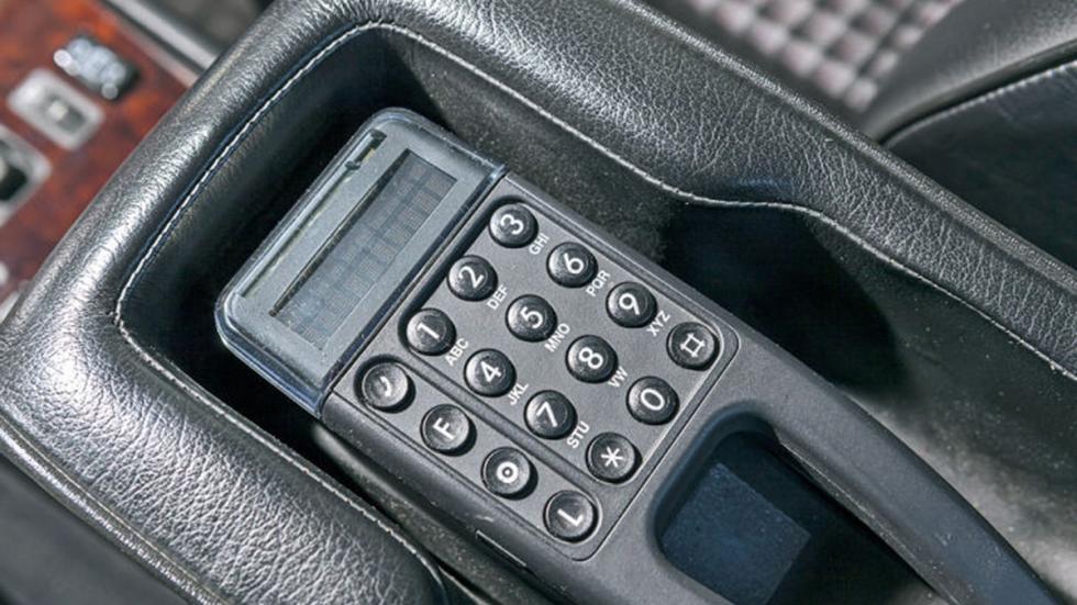 Prueba del Mercedes 500 E: más Porsche que Mercedes detalle teléfono