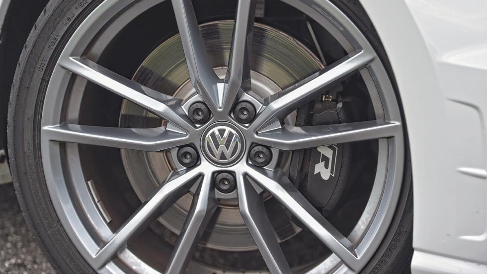 Volkswagen Golf R rueda