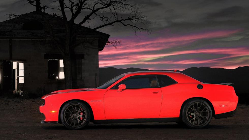 Coches terrorificos Halloween Challenger Hellcat lateral