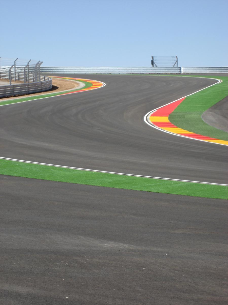 Circuito-Motorland-Aragón-anchura-pista