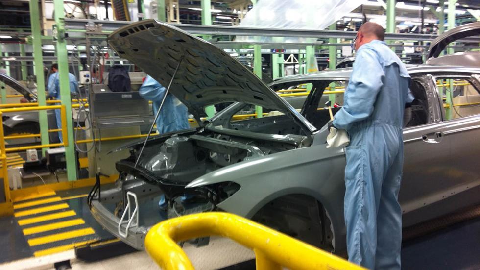 Fábrica-Ford-Almussafes-Valencia-coche