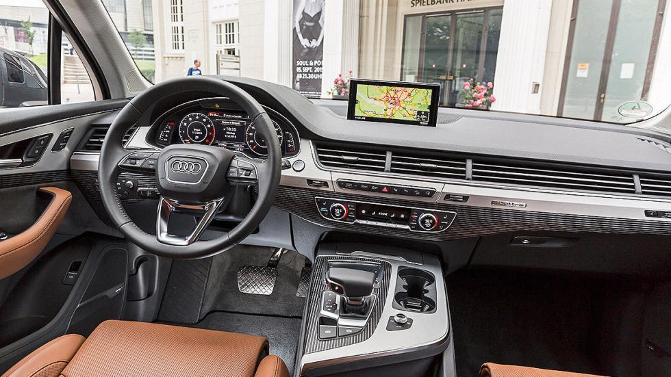 Audi Q7 detalle salpicadero