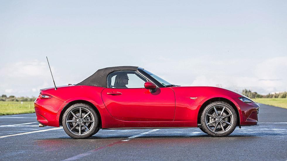 Mazda X5 lateral capota