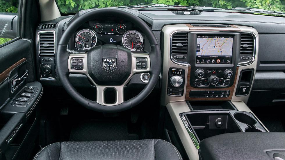 Prueba: Dodge Ram 1500 Eco Diesel. Un pick up a la europea detalle interior