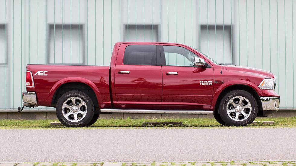 Prueba: Dodge Ram 1500 Eco Diesel. Un pick up a la europea detalle lateral