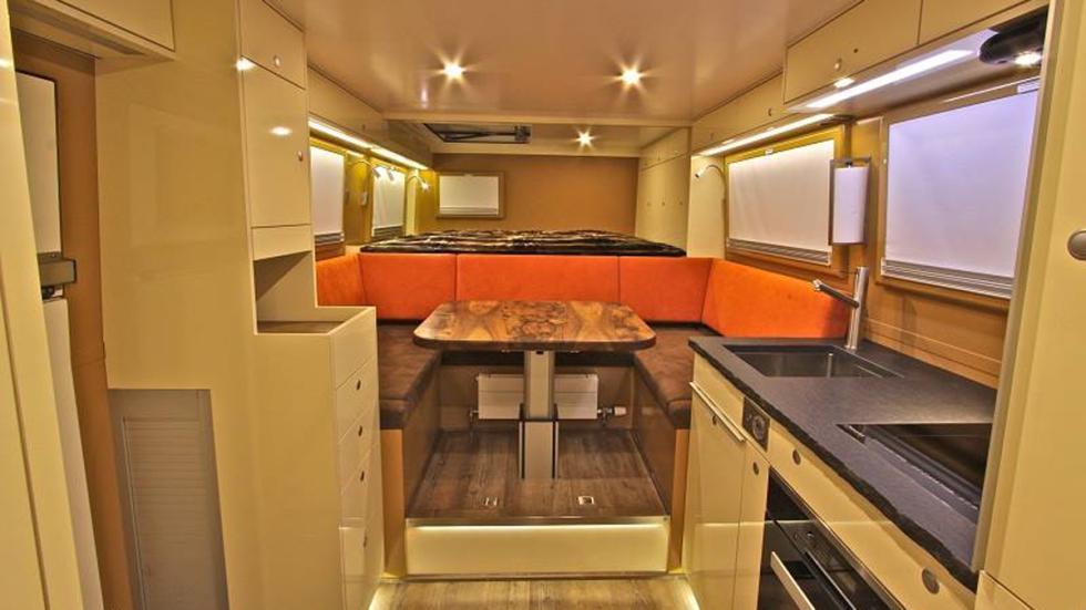 camiones-autocaravana-lujosos-Action-mobil-interior