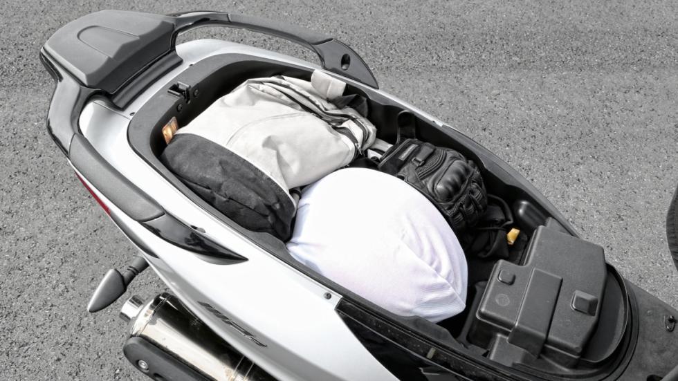 Piaggio-MP3-500-LT-Sport-maletero