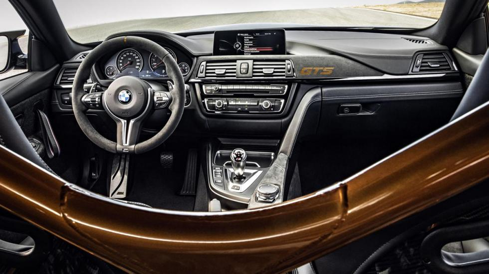 BMW M4 GTS salpicadero