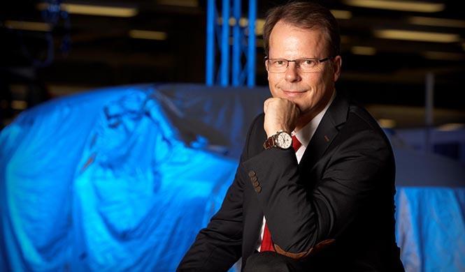 Dr. Peter Mertens