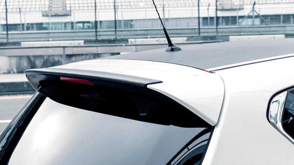 Nissan Pulsar Sport Edition spoiler
