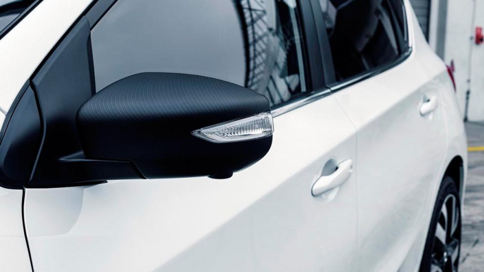 Nissan Pulsar Sport Edition retrovisores