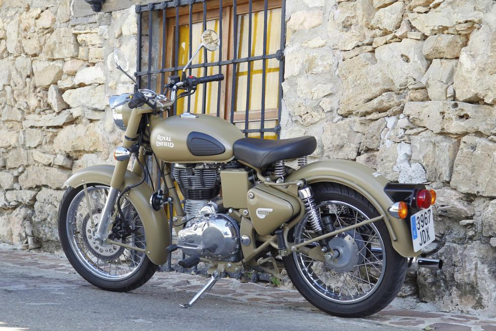 royal-enfield-bullet-classic-cromados