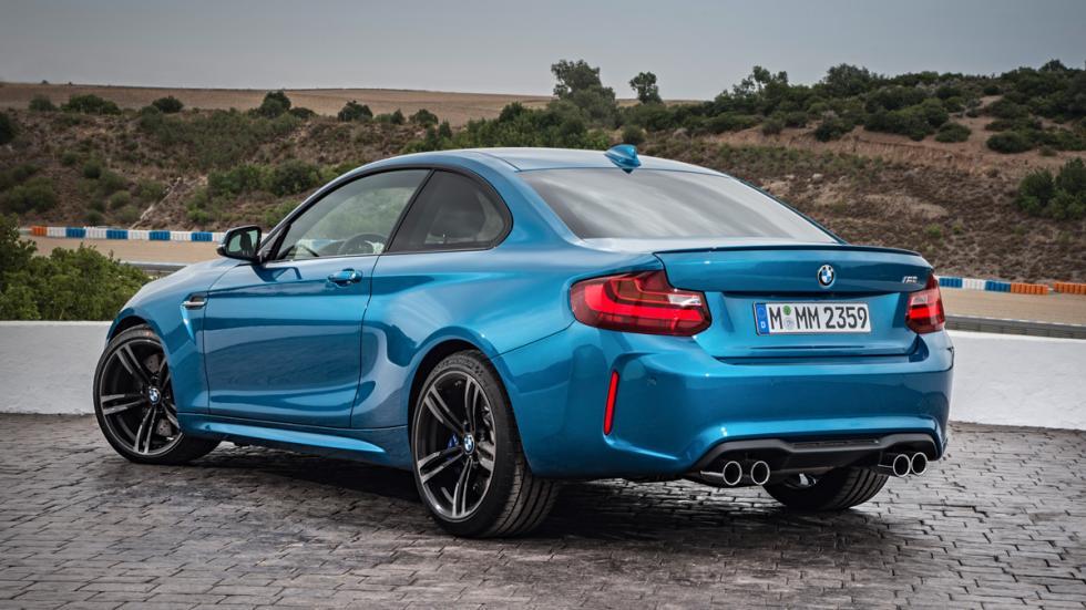 BMW M2 2016 trasera