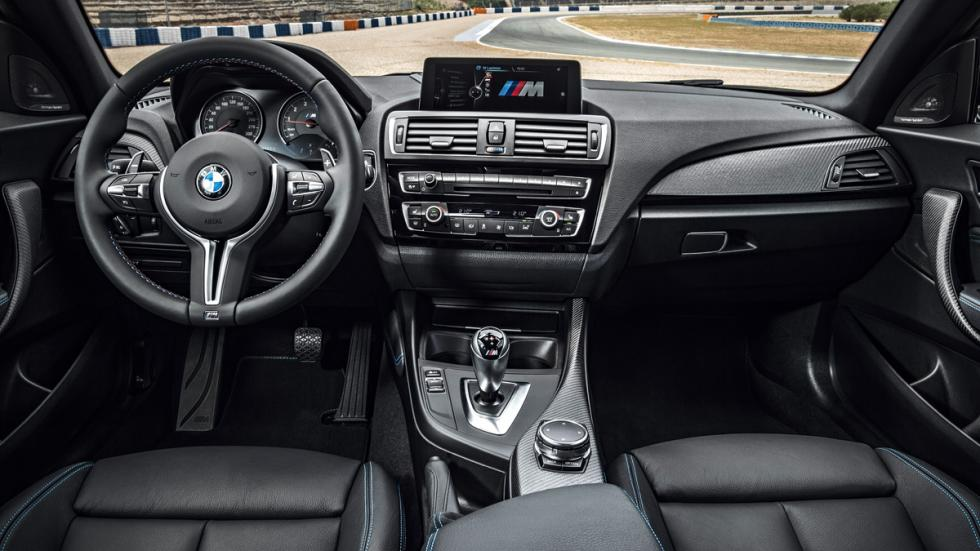 BMW M2 2016 interior