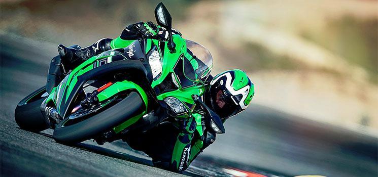 Kawasaki-ZX-10R-Ninja-motor