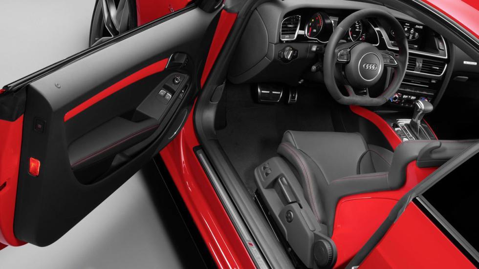 Audi A5 DTM interior
