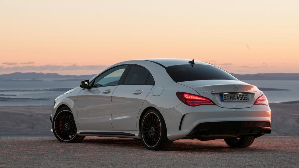 rivales-BMW-M2-Mercedes-AMG-CLA-45-zaga