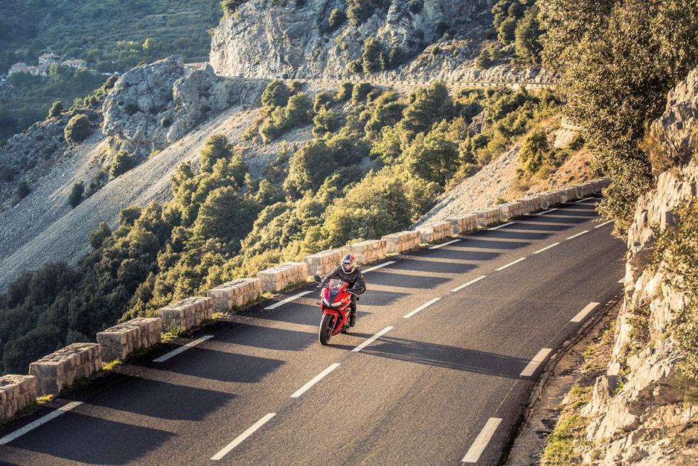 Honda-CBR-500R-carretera