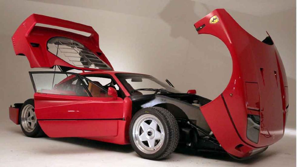Ferrari F40 Personalizado tres cuartos delanteros