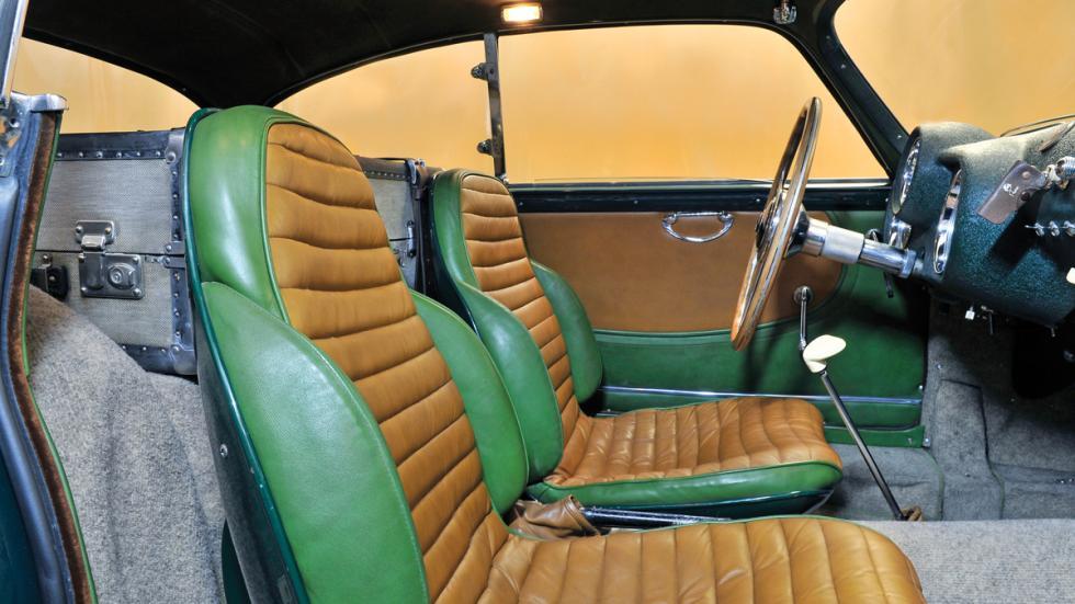 Pegaso Z102 subasta interior verde beige