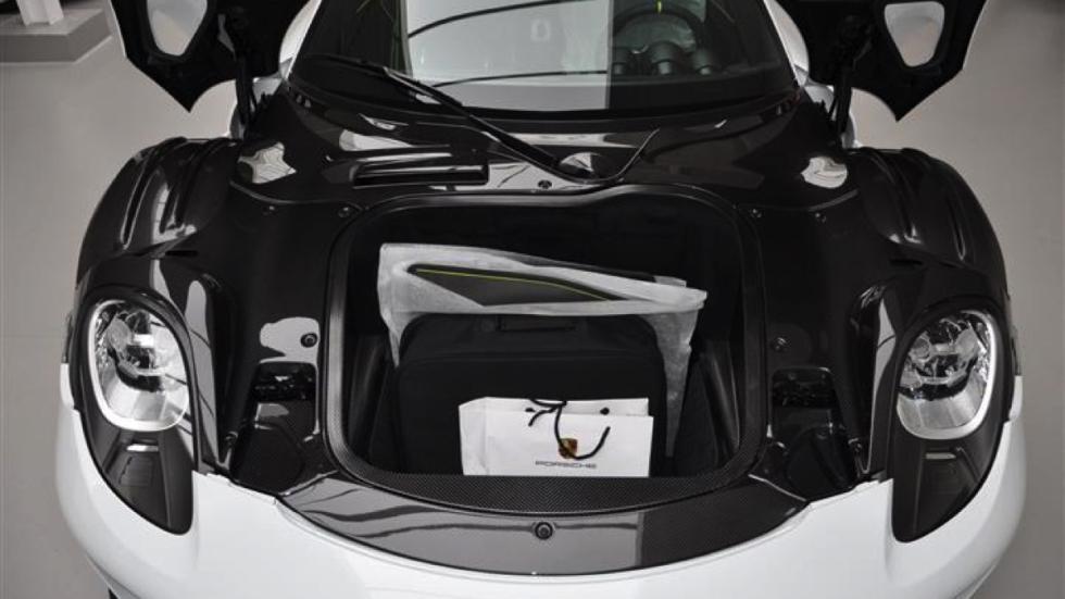 Porsche 918 Spyder venta maletero