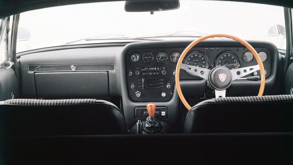 mejores-clásicos-mazda-cosmo-sport-110s-interior